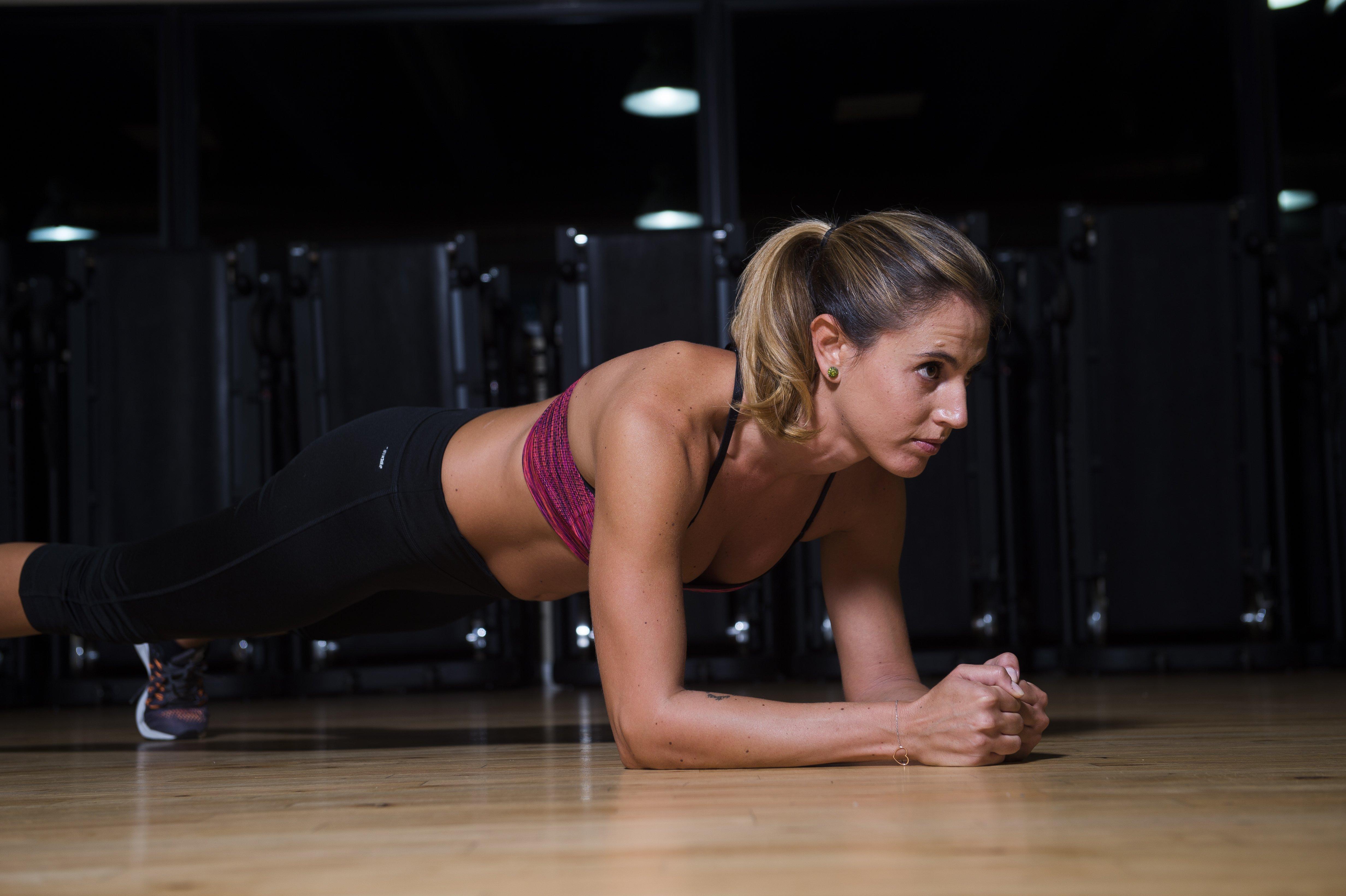 Attività a corpo libero: 10 esercizi per la coordinazione e la tonicità muscolare  Continua